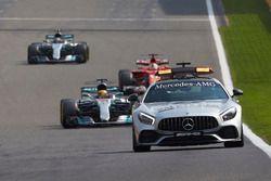 Автомобиль безопасности, Льюис Хэмилтон, Mercedes AMG F1 W08, Себастьян Феттель, Ferrari SF70H, и Ва