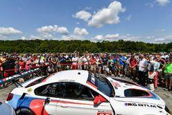 #25 BMW Team RLL BMW M6 GTLM: Bill Auberlen, Alexander Sims, Bobby Rahal, pre-race pit stop demonstr