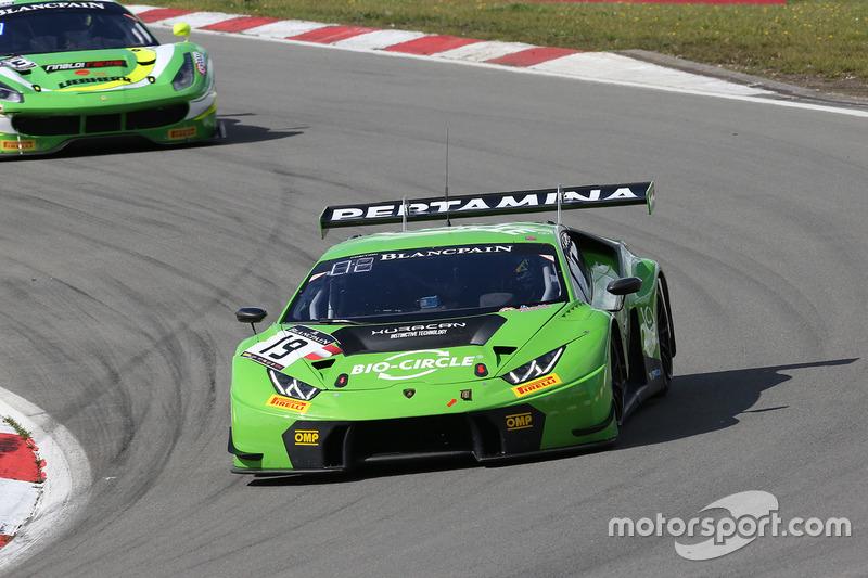 #19 GRT Grasser Racing Team Lamborghini Huracan GT3: Andrea Caldarelli, Ezequiel Perez Companc