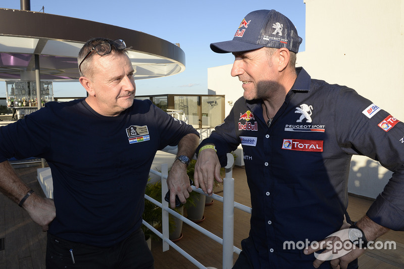 Etienne Lavigne, Dakar director de la carrera, Stéphane Peterhansel, Peugeot Sport