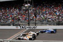 Ed Jones, Dale Coyne Racing Honda Helio Castroneves, Team Penske Chevrolet Takuma Sato, Andretti Aut