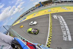 #72 MP2A Porsche GT3, Warren Cooper, Shane Lewis, MGM Motorsports, #52 MP2B BMW M3, Pedro Rodriguez,