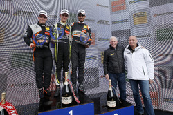 Rookie Podium: Winner Lando Norris, Carlin Dallara F317 - Volkswagen, second place Joey Mawson, Van Amersfoort Racing, Dallara F317 - Mercedes-Benz, third place Jehan Daruvala, Carlin, Dallara F317 - Volkswagen