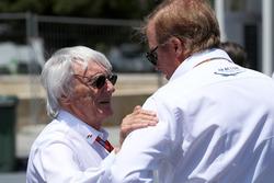 Bernie Ecclestone, Danny Sullivan, FIA Steward