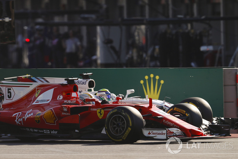 Sebastian Vettel, Ferrari SF70H y Felipe Massa, Williams FW40