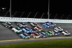 Kurt Busch, Stewart-Haas Racing Ford, Kasey Kahne, Hendrick Motorsports Chevrolet, David Ragan, Fron