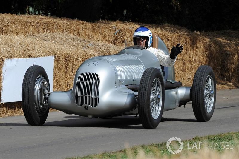 Roland Asch, Mercedes W25