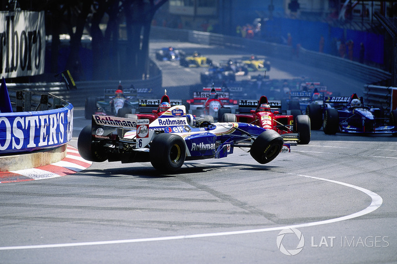 Start kazası - Monaco Grand Prix, 1995: David Coulthard, Williams-Renault, Gerhard Berger ve Jean Al