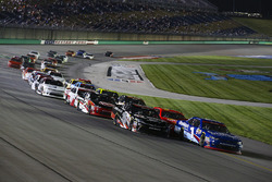 Elliott Sadler, JR Motorsports Chevrolet and Ryan Preece, Joe Gibbs Racing Toyota on a restart