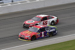 Джейми Макмарри, Chip Ganassi Racing Chevrolet и Грей Голдинг, Premium Motorsports Toyota