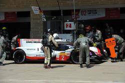 Экипаж №2 команды Porsche Team, Porsche 919 Hybrid: Брендон Хартли, Эрл Бамбер, Тимо Бернхард