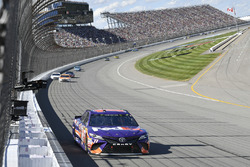Denny Hamlin, Joe Gibbs Racing Toyota, Ryan Blaney, Wood Brothers Racing Ford,