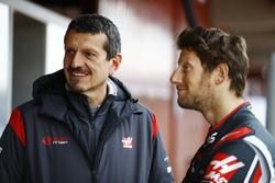 Guenther Steiner, Team Principal, Haas F1 Team, and Romain Grosjean, Haas F1 Team