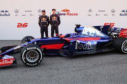 Daniil Kvyat, Scuderia Toro Rosso and Carlos Sainz Jr., Scuderia Toro Rosso pose with the Scuderia T
