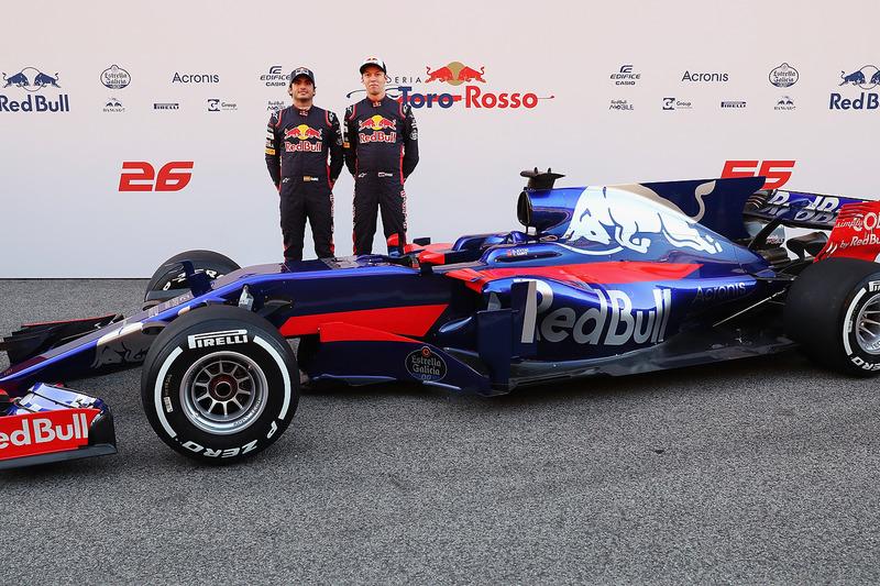 Depois de ser rebaixado em 2016, Kvyat seguiu na Toro Rosso no ano seguinte, ao lado de Carlos Sainz