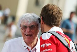 Bernie Ecclestone avec Sebastian Vettel, Ferrari
