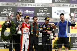 Podium: Race winner António Felix da Costa, Carlin Dallara Volkswagen; second place Felix Rosenqvist