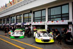 Earl Bamber, Manthey Racing Porsche 911 GT3-R y Kévin Estre, Manthey Racing Porsche 911 GT3-R
