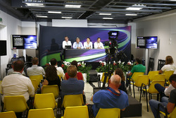 Ian Burrows, Nigel Geach, Charles Bradley, Motorsport.com Editor in Chief and Peter Bayer, FIA Secretary General for Motor Sport at the F1 Motorsport Network Global Fan Survey Press Conference