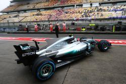 Valtteri Bottas, Mercedes AMG F1 W08, quitte le garage