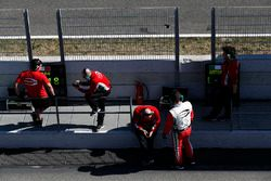 Prema Powerteam engineers on the pit wall