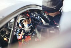 Sebastien Loeb talks to the team manager Kenneth Hansen