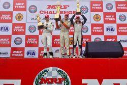 Podium : le vainqueur Alessio Picariello, le deuxième, Mick Schumacher, la troisième, Tatiana Calderon