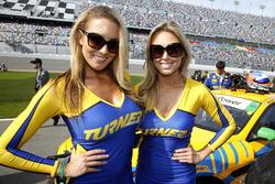 Прекрасные девушки Turner
