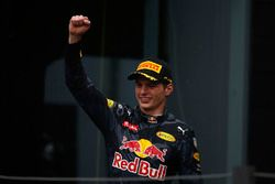 Podium : le troisième Max Verstappen, Red Bull Racing