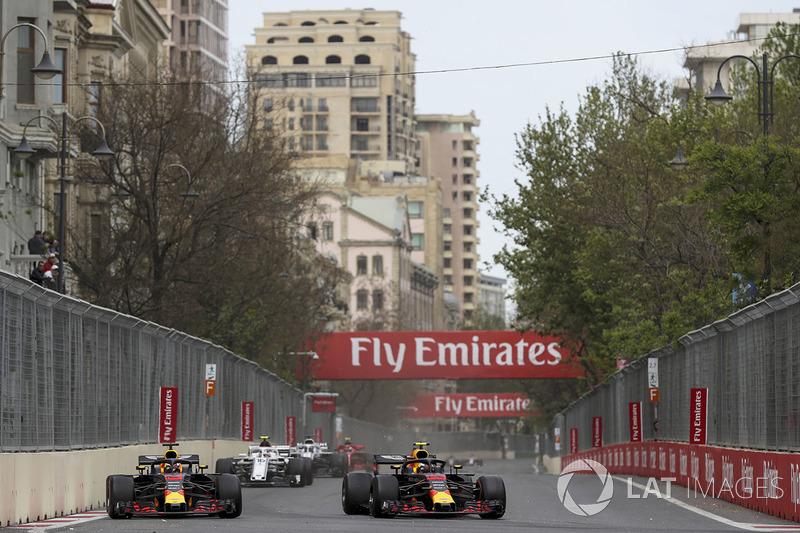 Daniel Ricciardo, Red Bull Racing RB14 y Max Verstappen, Red Bull Racing RB14