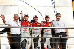 Podium du championnat : Le champion René Rast, Audi Sport Team Rosberg, Audi RS 5 DTM, le deuxième Mattias Ekström, Audi Sport Team Abt Sportsline, Audi A5 DTM, le troisième Jamie Green, Audi Sport Team Rosberg, Audi RS 5 DTM, Dieter Gass, directeur de la compétiton Audi Sport et Arno Zensen, Audi Sport Team Rosberg