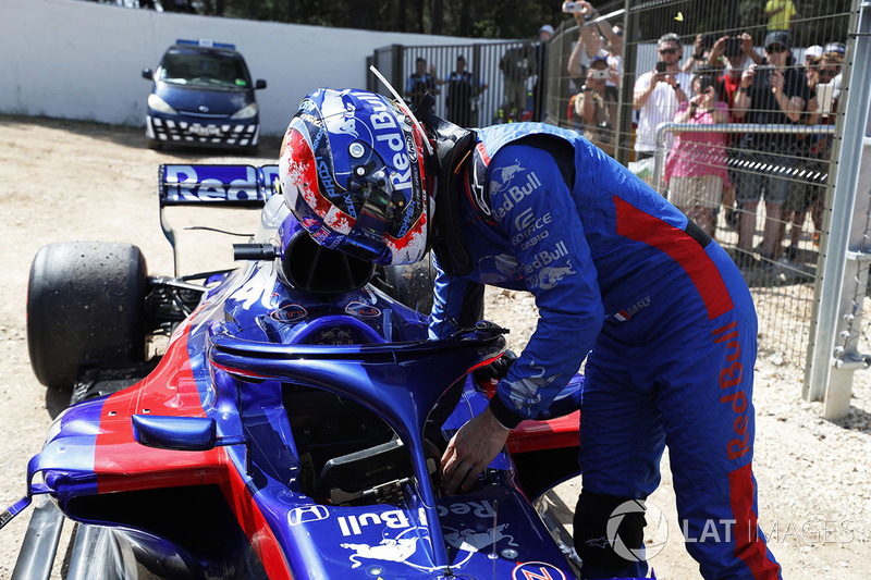 Pierre Gasly, Toro Rosso retires from the race