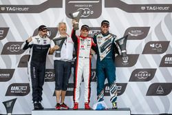 Podium: Race winner Mato Homola, DG Sport Competition Peugeot 308TCR, second place Yvan Muller, YMR Hyundai i30 N TCR, third place Pepe Oriola, Team Oscaro by Campos Racing Cupra TCR