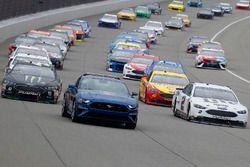 Ford Pace car, Kurt Busch, Stewart-Haas Racing, Ford Fusion Monster Energy / Haas Automation e Brad Keselowski, Team Penske, Ford Fusion Miller Lite