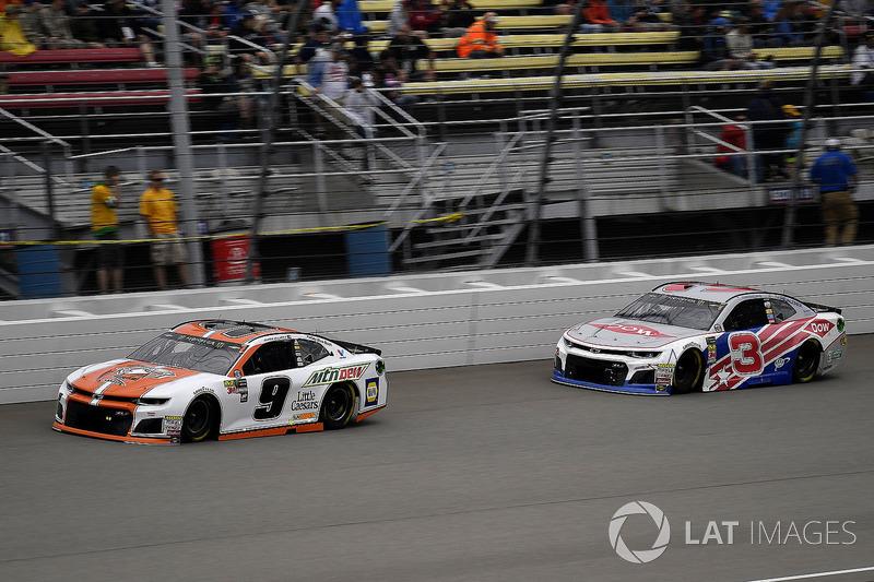 Chase Elliott, Hendrick Motorsports, Chevrolet Camaro Mountain Dew / Little Caesars e Austin Dillon