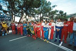 I piloti rendono omaggio a Ayrton Senna prima della partenza della gara