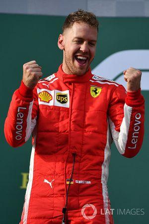 Sebastian Vettel, Ferrari fête sa victoire sur le podium