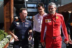 Christian Horner, director del equipo Red Bull Racing, Toto Wolff, director de Motorsport de Mercede