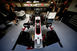 La voiture d'Antonio Giovinazzi, Haas F1 Team