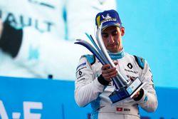 Podio: segundo lugar Sébastien Buemi, Renault e.Dams,