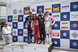 Podio Rookie Gara 1: il secondo classificato Umberto Laganella, Cram Motorsport, il primo classificato Jack Doohan, Van Amersfoort Racing BV, il terzo classificato Niklas Krutten, BWT Mucke Motorsport