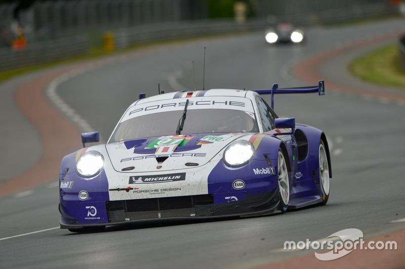 31. Рихард Лиц, Джанмария Бруни, Фредерик Маковецки, Porsche GT Team, Porsche 911 RSR (№91)