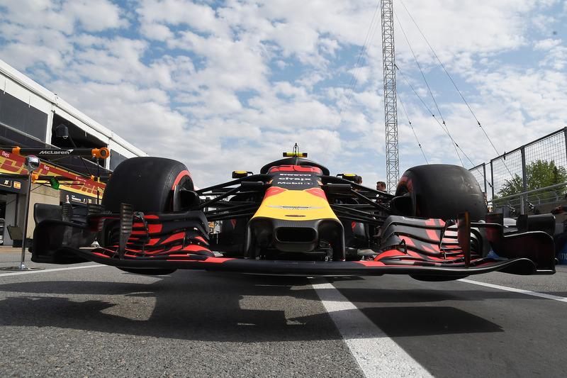 Red Bull Racing RB14 burun