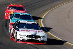 Erik Jones, Joe Gibbs Racing Toyota, Ryan Blaney, Team Penske Ford