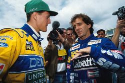 Alain Prost, Williams, talks with Michael Schumacher, Benetton