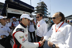 Oriol Servia, Scuderia Corsa with RLL Honda, with team owners Giacomo Mattioli and Art Zafiropoulo