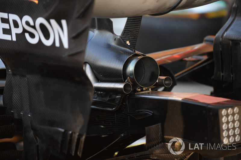 Mercedes-AMG F1 W09 exhaust