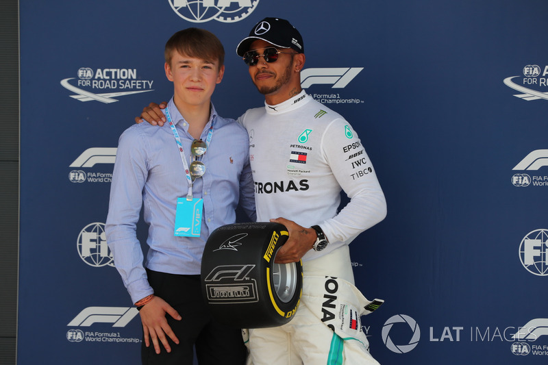 Billy Monger y Lewis Hamilton, Mercedes AMG F1