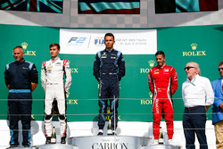Podium: race winner Alexander Albon, DAMS, second place George Russell, ART Grand Prix, third place Antonio Fuoco, Charouz Racing System