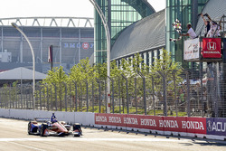 Scott Dixon, Chip Ganassi Racing Honda, conquista la vittoria